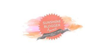 The Sunshine Blogger Award Logo.