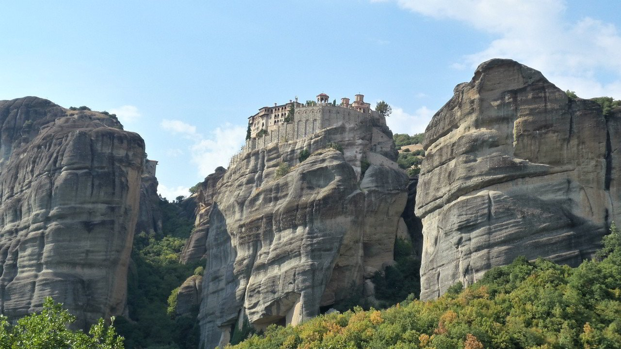 What You Must Know When Visiting Meteora Monasteries in Greece
