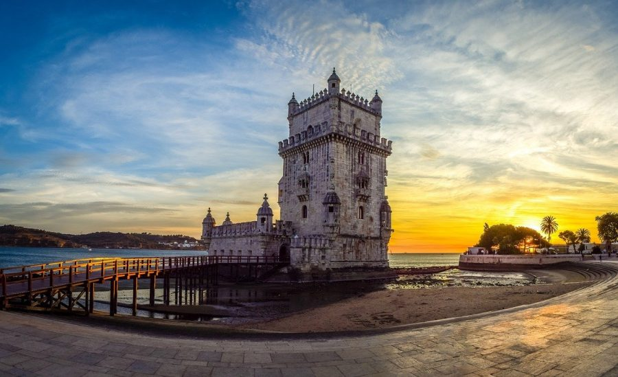 Romantic photoshoot by Belem Tower Portugal