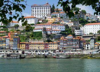 Food Tour Guide To Restaurants in Vila Nova de Gaia in Porto, Portugal.