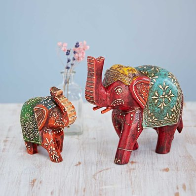 Animal figurines decoration